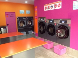 Self Servicie Laundry Open Clean